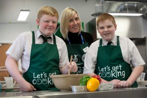 Dawn joins Let's Get Cooking club members at St George's High School, Blackpool (Credit Chris Bull)