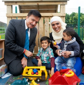 Dharmendra with Sonia Siddique, Ayaan, 4 and Aydin, 1 copy - sml